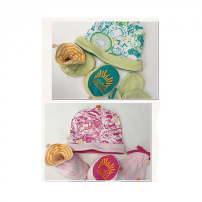 Layette 3 pieces : reversible hat,mitts & booties- Cirque du soleil